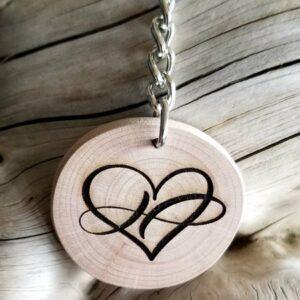 Porte clés cœur en bois pyrogravés au choix