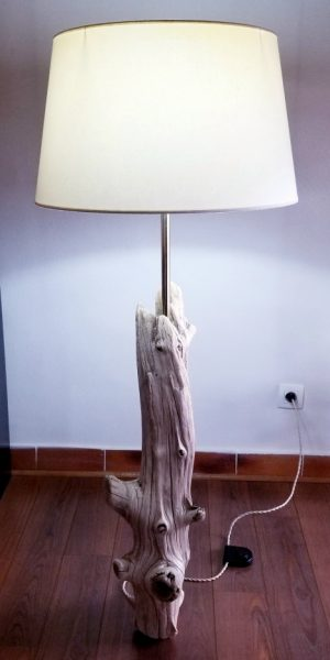 Lampe sur pied